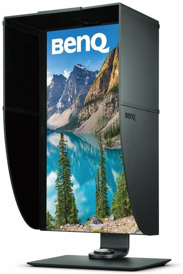 El monitor IPS BenQ SW271 de 27 pulgadas HDR Professional IPS con su capucha de sombreado