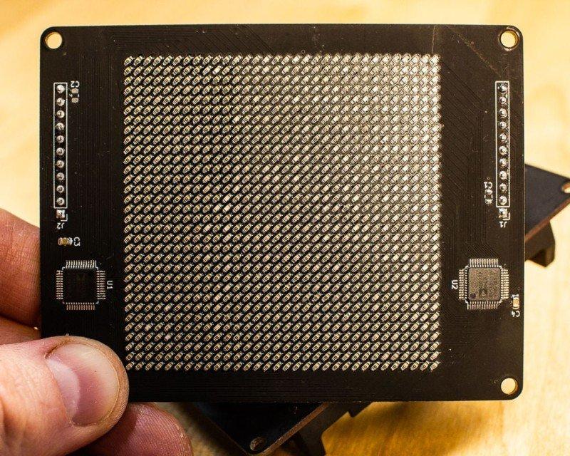 Este tipo construyó un sensor de imagen DIY que captura fotos de 1 kilopíxel