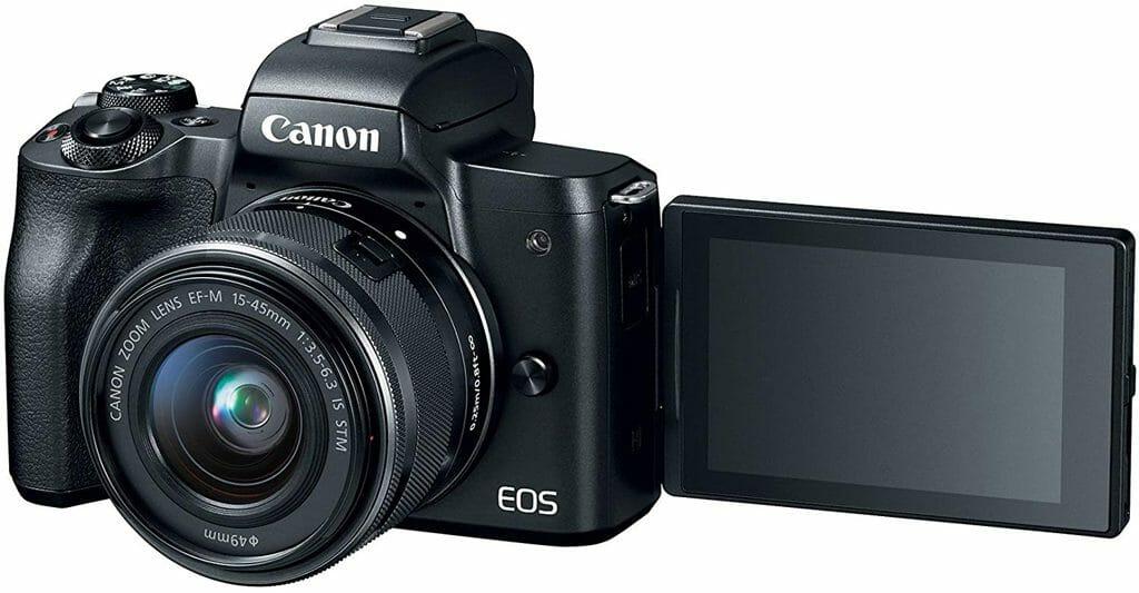 La cámara sin espejo Canon EOS M50 tiene una pantalla táctil LCD de ángulo variable