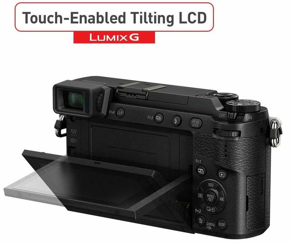 La parte trasera de la cámara sin espejo de Panasonic Lumix DMC-GX85