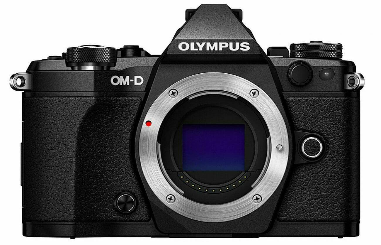 El cuerpo de la cámara Olympus OM-D E-M5 Mark II