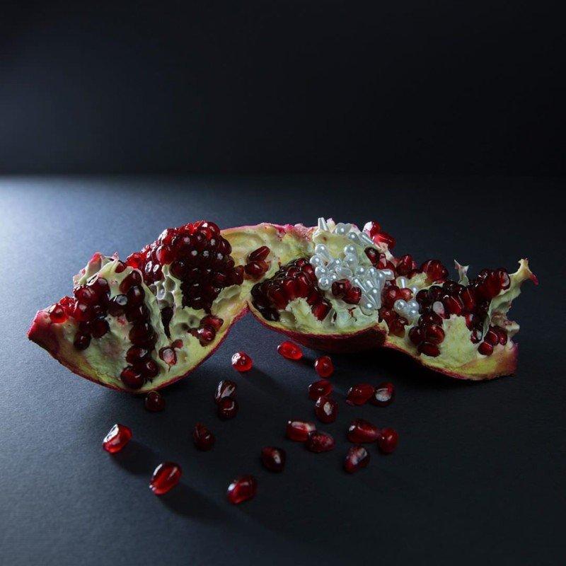 Curiosas fotos de perlas en frutas y verduras