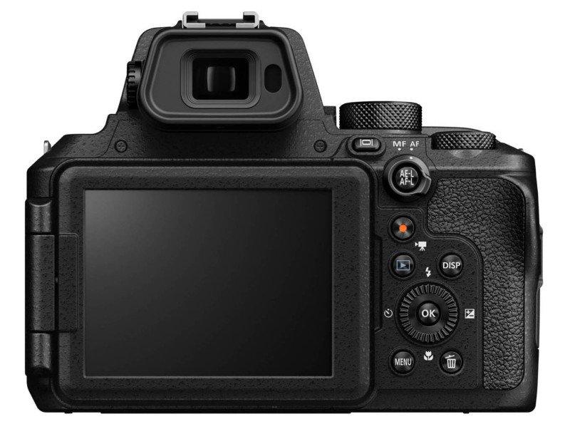 Nikon presenta la COOLPIX P950 con zoom 83x, RAW y 4K