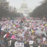Los Archivos Nacionales editaron una foto para eliminar los mensajes antiviolencia