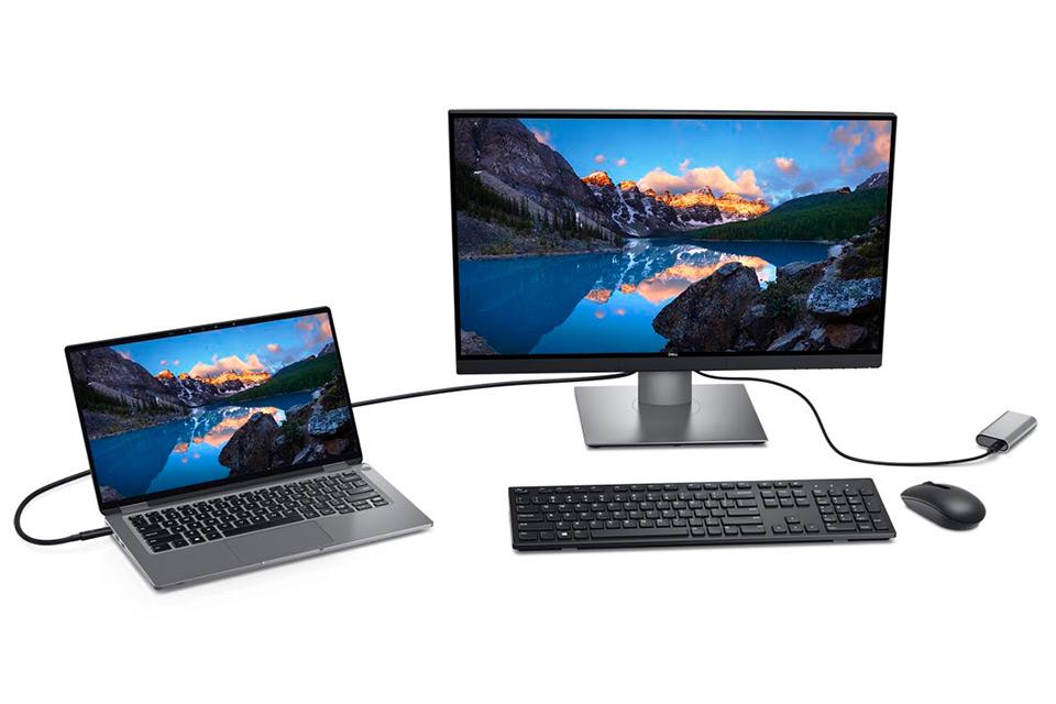 El Dell UP2720Q conectado al portátil