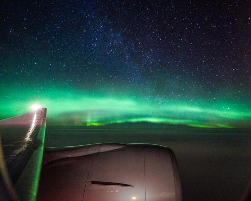 Fotografiar la Aurora Boreal desde la ventana de un avión