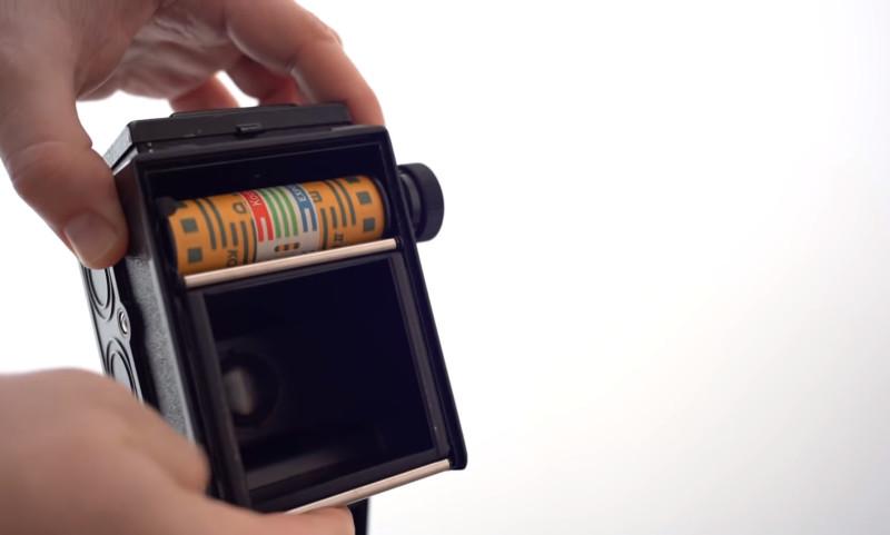 Investigando fotos misteriosas encontradas en una cámara de 60 años